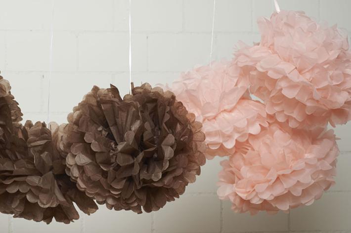 Comment monter un pompon en papier ?