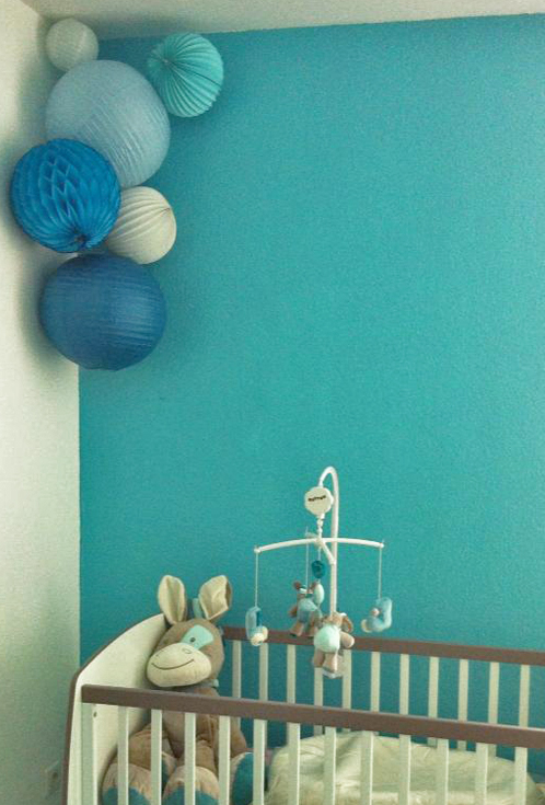 La chambre bleue sous le lampion lantern and lampion for Lampion chambre bebe