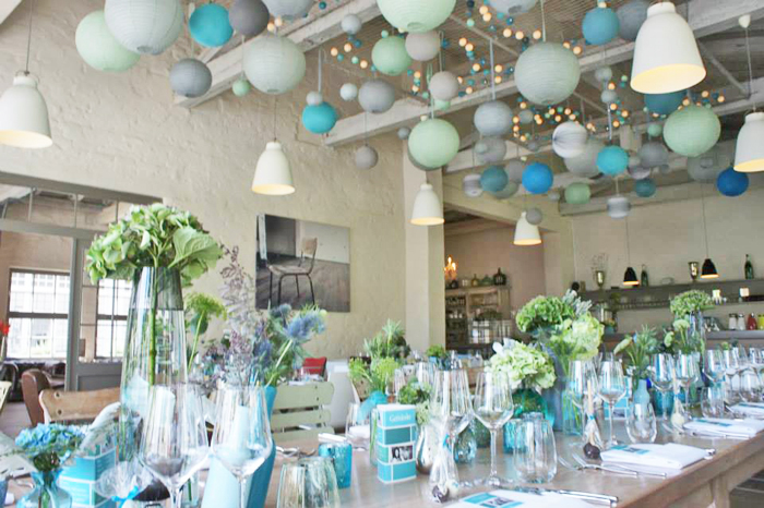 Restaurant in germany sous le lampion lantern and lampion - Salon bleu turquoise ...