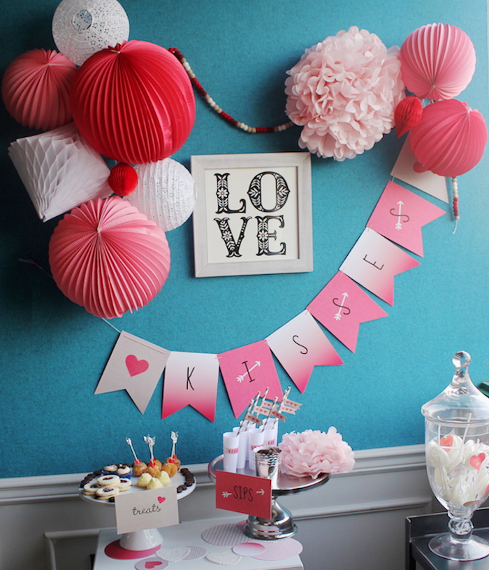 Show the love with these two Valentine sweet table ideas