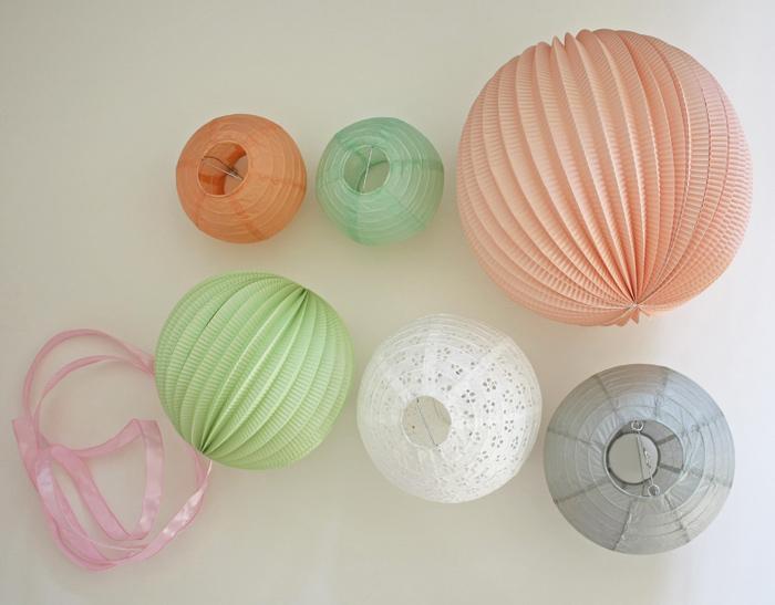 Idée jolie et originale pour décorer une baby shower avec des lampions