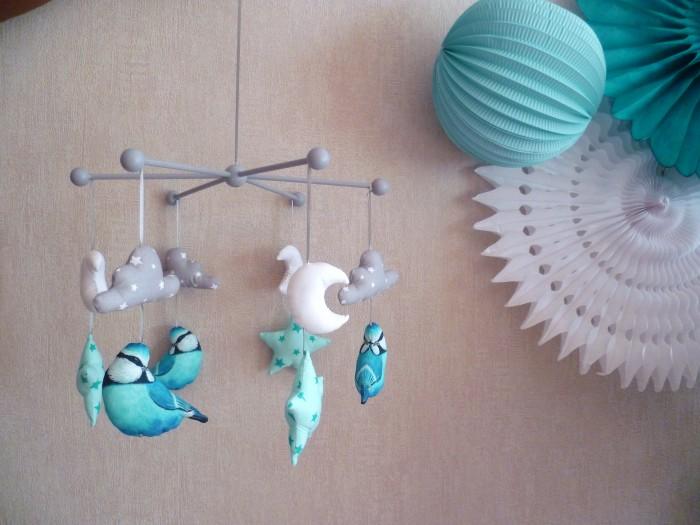 chambre de bébé garçon dans les tons bleus