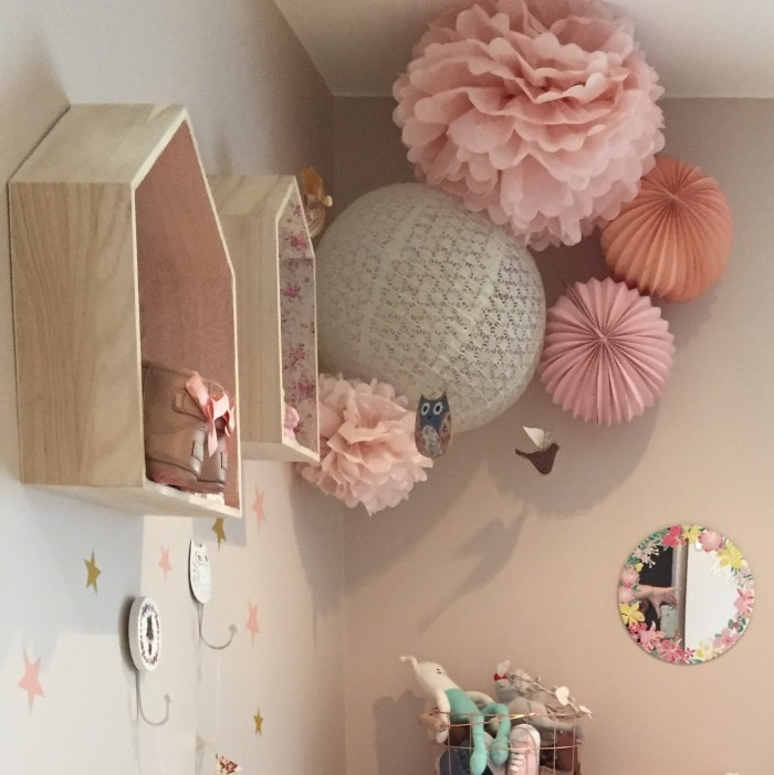 La chambre de l anna sous le lampion lantern and lampion for Chambre bebe fille rose pale