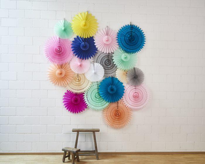 mur de rosaces pour décorer votre mariage